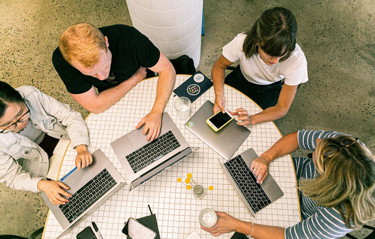 Cultivating a collaborative startup accelerator culture